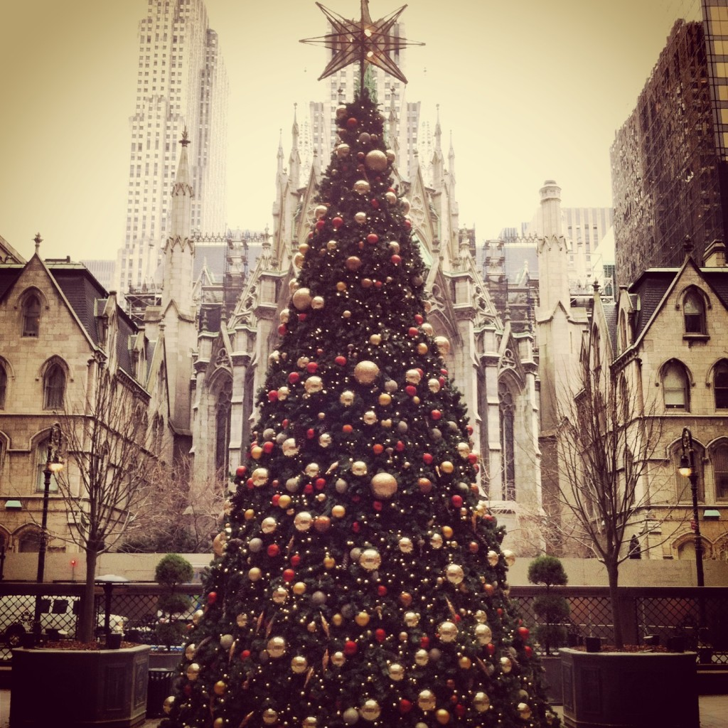 Xmass_Tree_at_Palace_Hotel_New_York_City