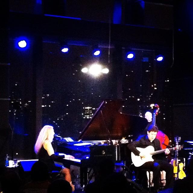 Джазовый концерт в клубе на Площади Колумба