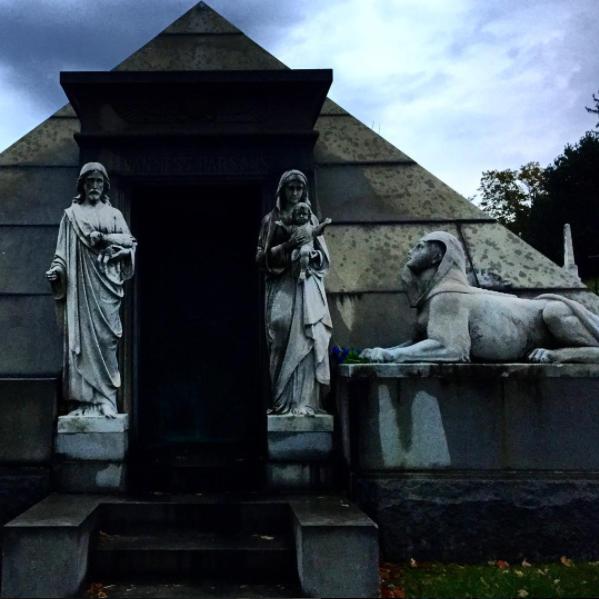 Склеп на кладбище Гринвуд, Бруклин