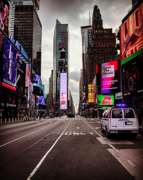 Пустые улицы Нью-Йорка-11